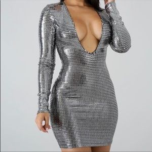 Dresses & Skirts - Womens Gorgeous Metallic V-neck Sexy Bodycon Dress